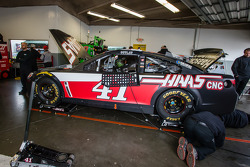 Car of Kurt Busch, Stewart-Haas Racing Chevrolet