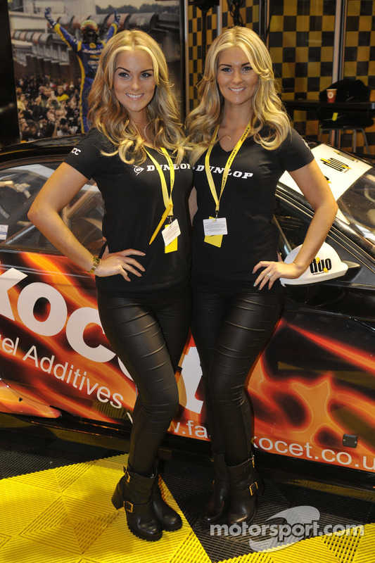 Dunlop grid girls