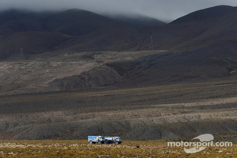 卡马兹卡车在平原上