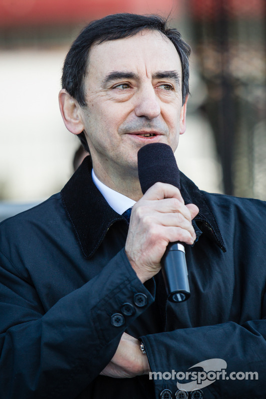 ACO president Pierre Fillon addresses the drivers during the meeting