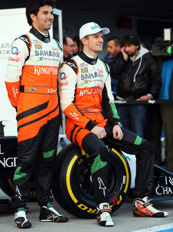 (L to R): Sergio Perez, Sahara Force India F1 with team mate Nico Hulkenberg, Sahara Force India F1 at the launch of the Sahara Force India F1 VJM07