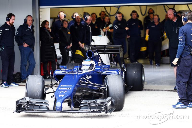 Valtteri Bottas, Williams FW36 lascia i box per la prima volta
