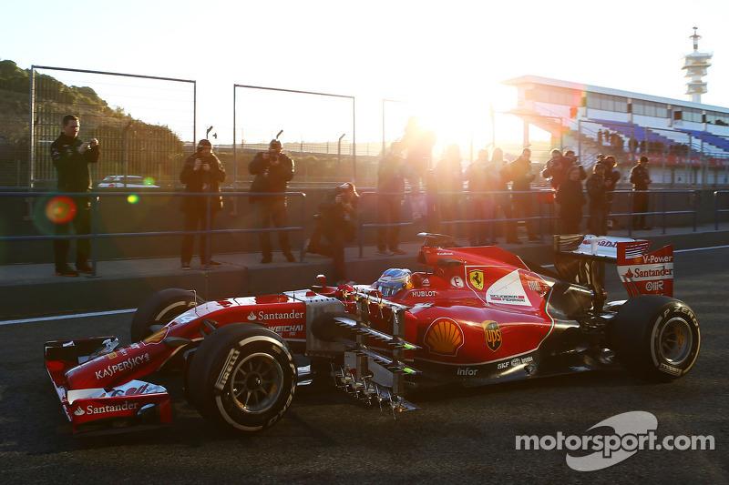Fernando Alonso, Ferrari F14-T sensörlerle birlikte pistte