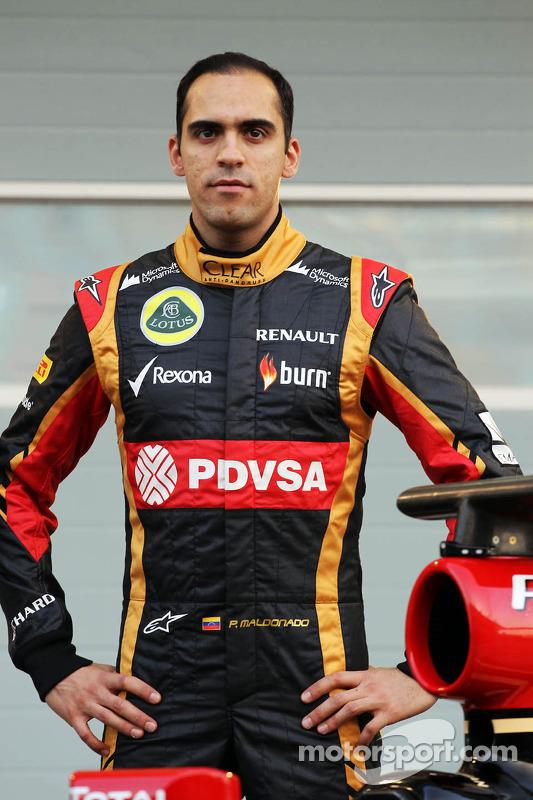 Pastor Maldonado, Lotus F1 Team como a Lotus F1 E22 é apresentado oficialmente