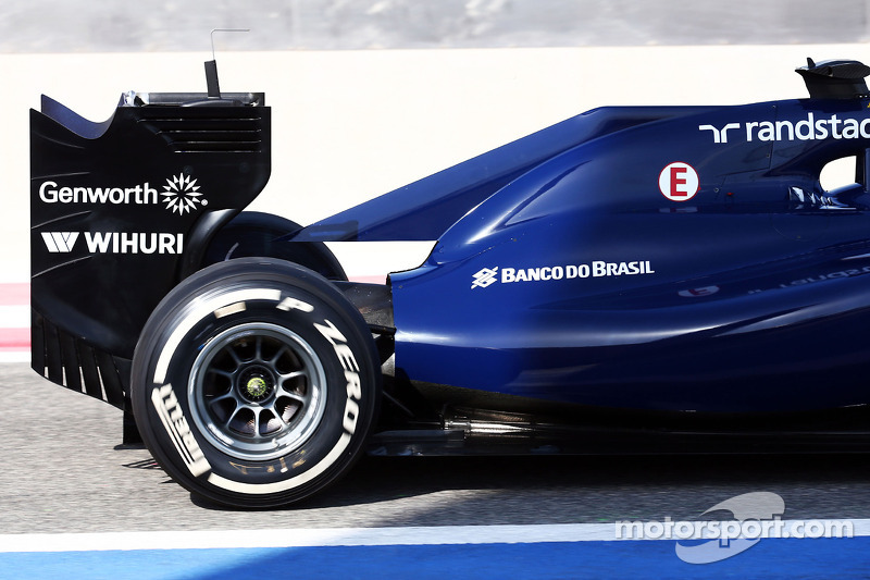 Williams FW36 motore e alettone posteriore