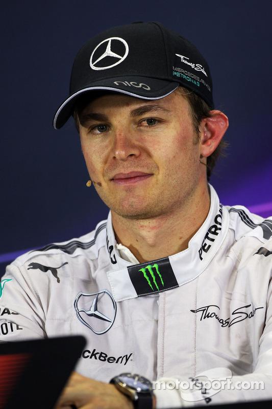 Vencedor da corrida Nico Rosberg, Mercedes AMG F1 na conferência de imprensa