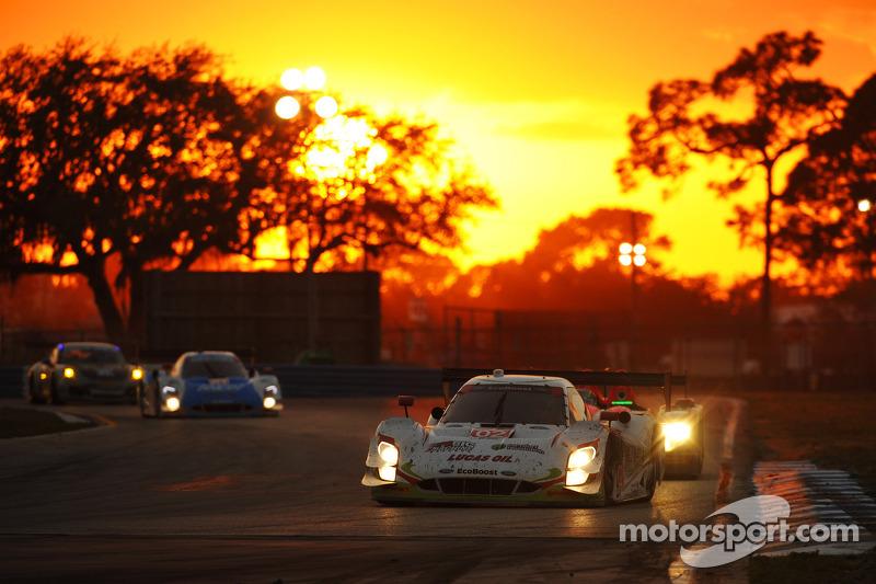 #02 Chip Ganassi Racing Riley DP 福特 EcoBoost: 托尼·卡南, 斯科特·迪克森, 塞奇·卡拉姆