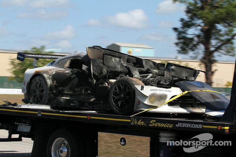 La # 33 Riley Motorsports SRT Viper GT3-R carbonizzata. Ben Keating, Jeroen Bleekemolen, Sebastiaan Bleekemolen