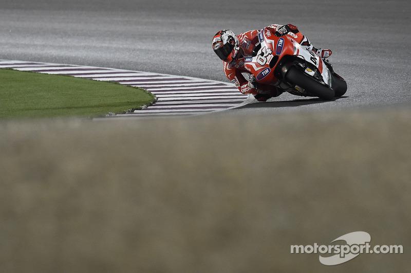 Andrea Dovizioso, Ducati Team op Qatar GP - MotoGP foto's