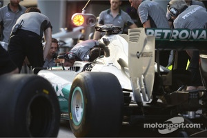 Mercedes AMG F1 practices pit stops