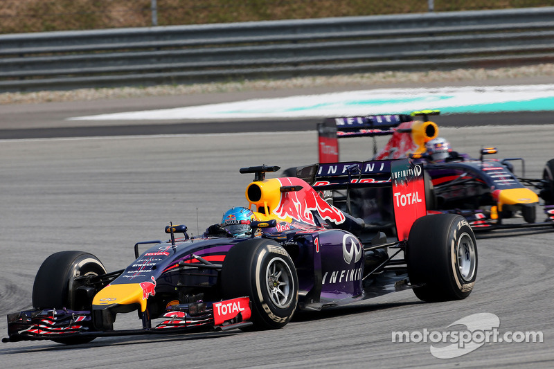 Sebastian Vettel (GER), Red Bull Racing; Daniel Ricciardo (AUS), Red Bull Racing  30