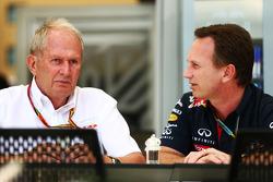 (Esquerda para direita): Dr Helmut Marko, consultor da Red Bull, com Christian Horner, chefe de equipe da Red Bull