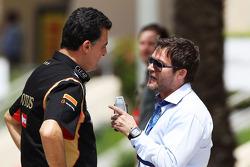 (Esquerda para direita): Federico Gastaldi, diretor da Lotus F1, com Dave Robertson, agente de pilotos