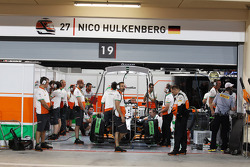 Nico Hulkenberg, Sahara Force India F1 VJM07 in the pits