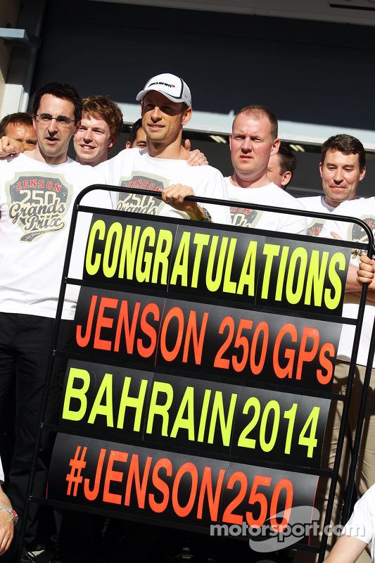 Jenson Button, McLaren celebra