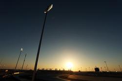 Sonnenuntergang am Bahrain International Circuit