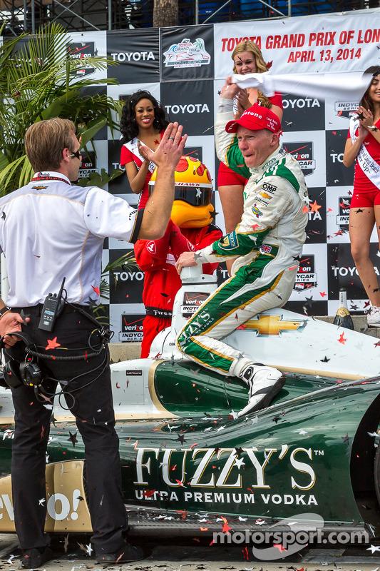 Mike Conway, Ed Carpenter Racing Chevrolet, comemora