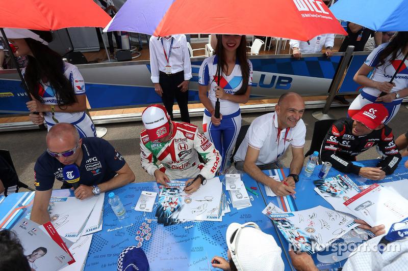 Tom Coronel, Cevrolet RML Cruze TC1, Roal Motorsport, Tiago Monteiro, Honda Civic WTCC, Castrol Honda WTC Team e Gabriele Tarquini, Honda Civic WTCC, Castrol Honda WTC team