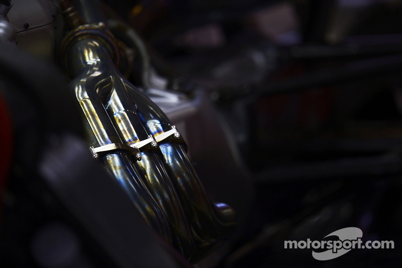 Ferrari F14-T exhaust detail