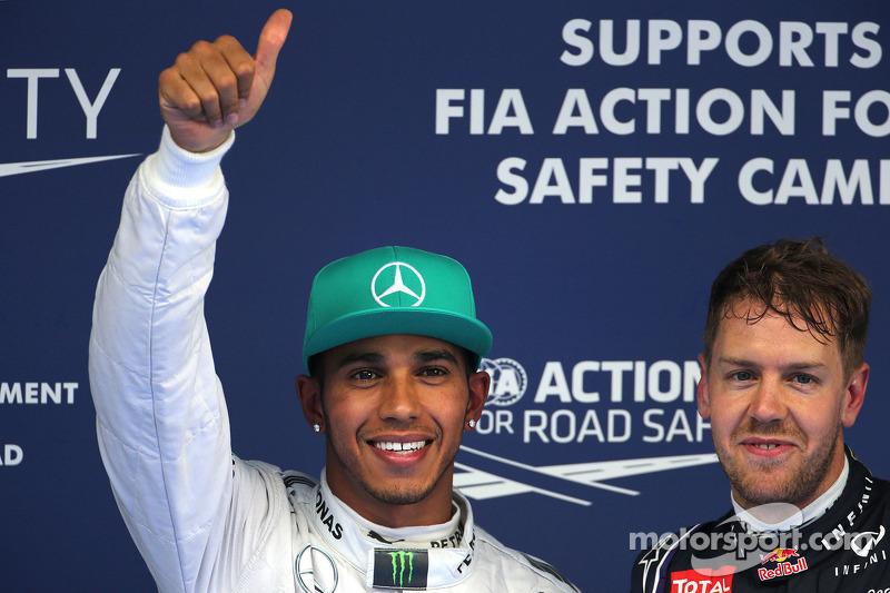 Lewis Hamilton, Mercedes AMG F1 Team; Sebastian Vettel, Red Bull Racing