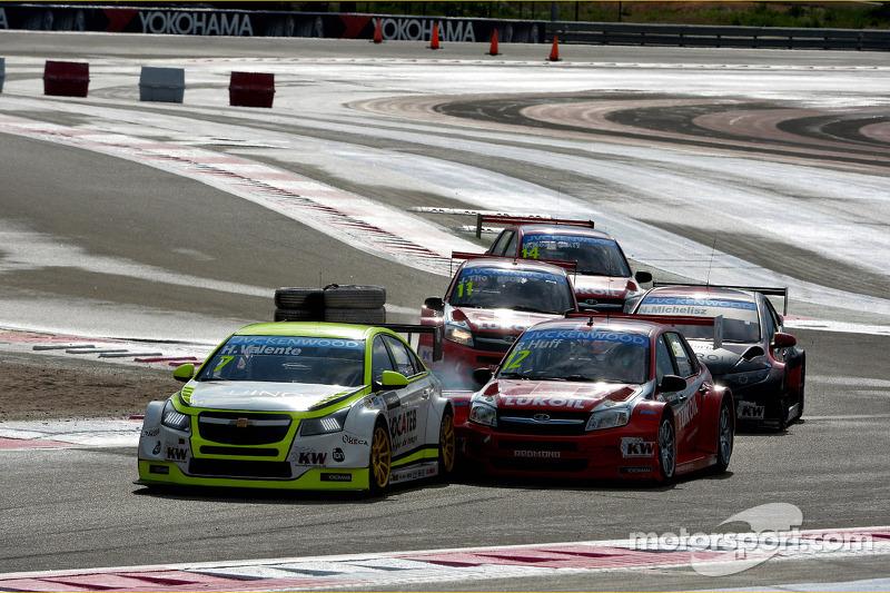 Hugo Valente, Chevrolet RML Cruze TC1, Campos Racing ve Robert Huff, LADA Granta 1.6T, LADA Sport Lukoil