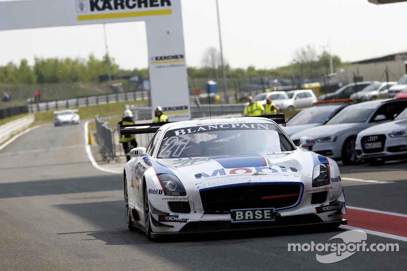 #21 BKK Mobil Oil Racing Team Zakspeed Mercedes-Benz SLS AMG GT3: Luca Ludwig, Alon Day