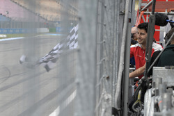 Mike Rockenfeller, Audi Sport Team Phoenix, Audi RS 5 DTM, Portrait, chequered flag for G¸nther Netzer, a former German football player