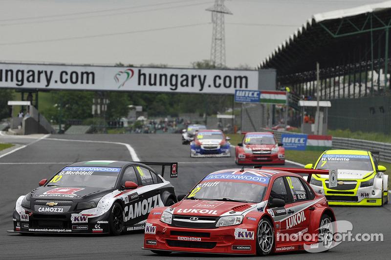 Gianni Morbidelli, Chevrolet RML Cruze TC1, ALL-INKL_COM Munnich Motorsport ve Robert Huff, LADA Granta 1.6T, LADA Sport Lukoil