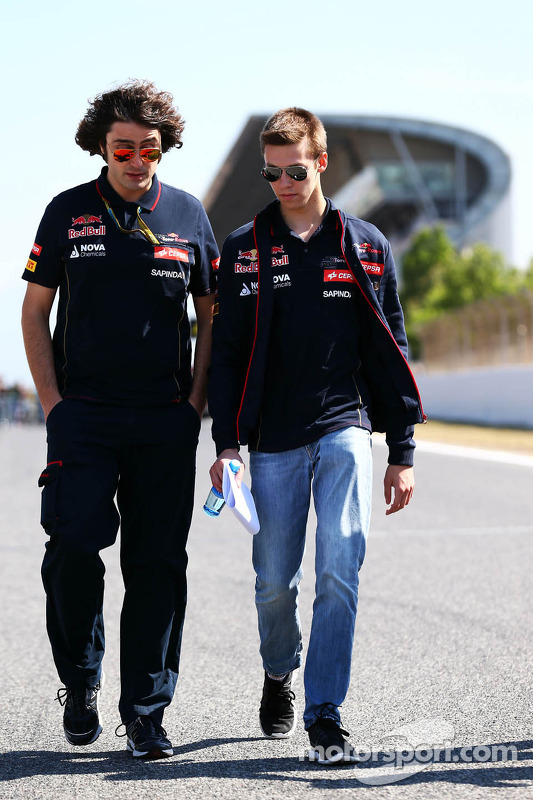 Daniil Kvyat, Scuderia Toro Rosso walks the circuit with Marco Matassa, Scuderia Toro Rosso Race Engineer