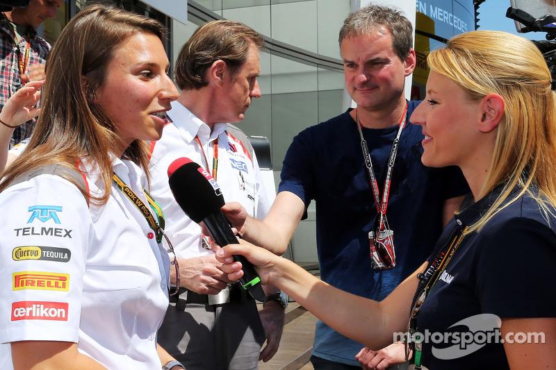 Simona de Silvestro, piloto de pruebas del Sauber F1 con los medios