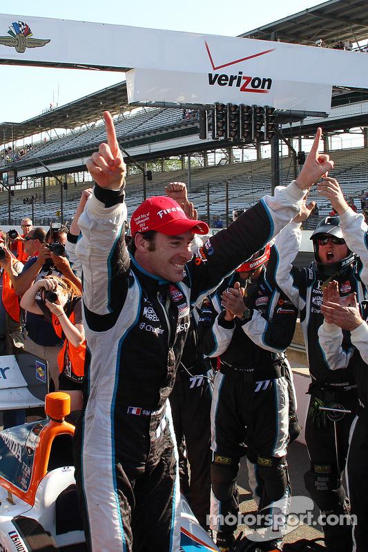 Vencedor da corrida Simon Pagenaud