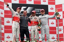 Подіум: 1. Дженсон Баттон, McLaren. 2. Льюіс Хемілтон, McLaren. 3. Ніко Росберг, Mercedes
