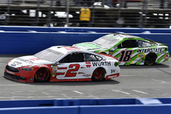 Brad Keselowski, Team Penske, Ford Fusion Wurth and Kyle Busch, Joe Gibbs Racing, Toyota Camry Interstate Batteries