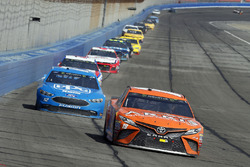 Daniel Suarez, Joe Gibbs Racing, Toyota Camry ARRIS and Ryan Blaney, Team Penske, Ford Fusion PPG