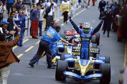 Il vincitore della gara Giancarlo Fisichella, Renault F1 Team R25