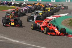 Kimi Raikkonen, Ferrari SF71H, au départ de la course