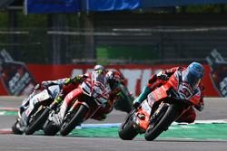 Marco Melandri, Aruba.it Racing-Ducati SBK Team, Lorenzo Savadori, Milwaukee Aprilia