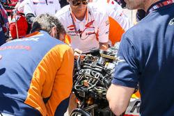 Mekanikerler, Dani Pedrosa, Repsol Honda Team bike on grid