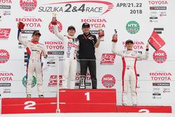 Podium: race winner Naoki Yamamoto, Team Mugen, second place Yuhi Sekiguchi, Team Impul, third place Tomoki Nojiri, Dandelion Racing
