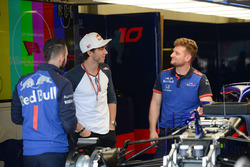 Pierre Gasly, Scuderia Toro Rosso in the garage