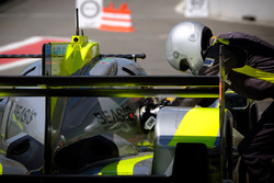 #4 ByKolles Racing Team Enso CLM P1/01: Oliver Webb, Dominik Kraihamer, Tom Dillmann, refuel