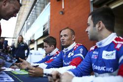 رقم 17 فريق اس ام بي ريسينغ: ستيفان سارازين، إيغور أوردزيف، ماتيفوس إسحاقيان
