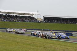 Pascal Wehrlein, gooix Mercedes AMG, DTM Mercedes AMG C-Coupe, Gary Paffett, EURONICS Mercedes AMG, DTM Mercedes AMG C-Coupe,
