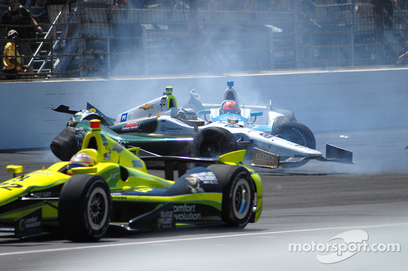 Ed Carpenter, Ed Carpenter Racing Chevrolet ve James Hinchcliffe, Andretti Autosport Honda kazası