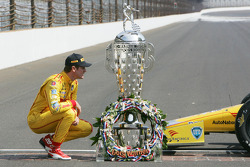 Ryan Hunter-Reay with the Borg-Warner Trophy