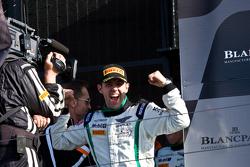 Race winner Andy Meyrick
