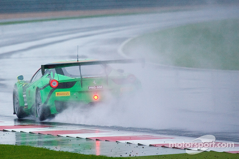 #333 GT Corse by Rinaldi 法拉利 458 Italia: Vadim Kogay, Rinat Salikhov, 马可·泽弗里德