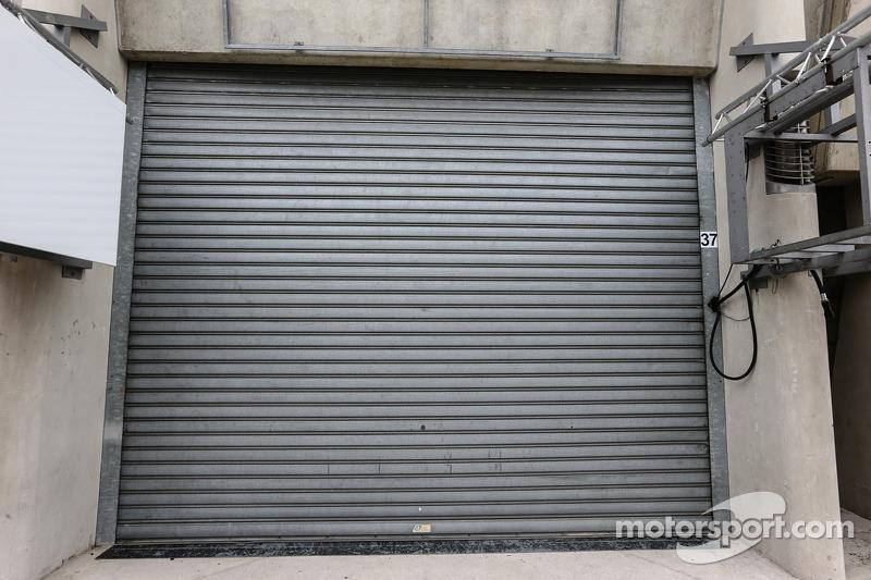 Millenium Racing garajında kapalı kapılar