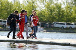 Fernando Alonso, Ferrari, with Luis Garcia Abad, Driver Manager; Edoardo Bendinelli, Personal Trainer and Carlos Sainz (ESP)