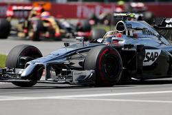 Kevin Magnussen, McLaren F1  08